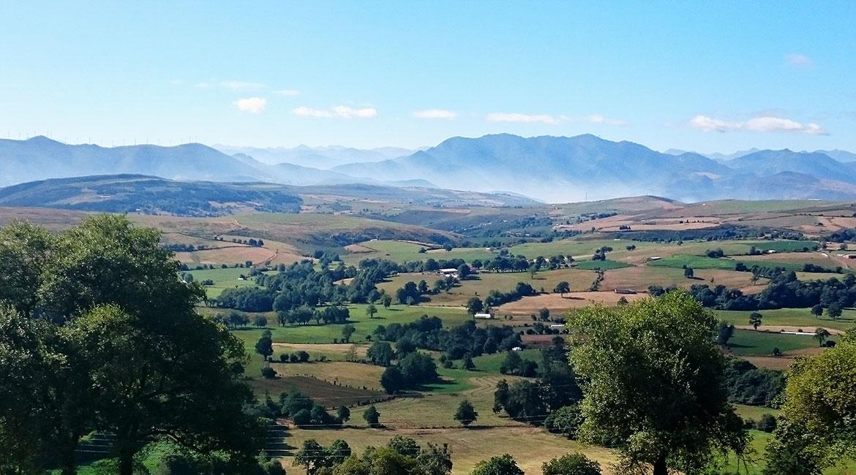 Camino de Santiago bike tour. La Espina | BIKING THROUGH SPAIN