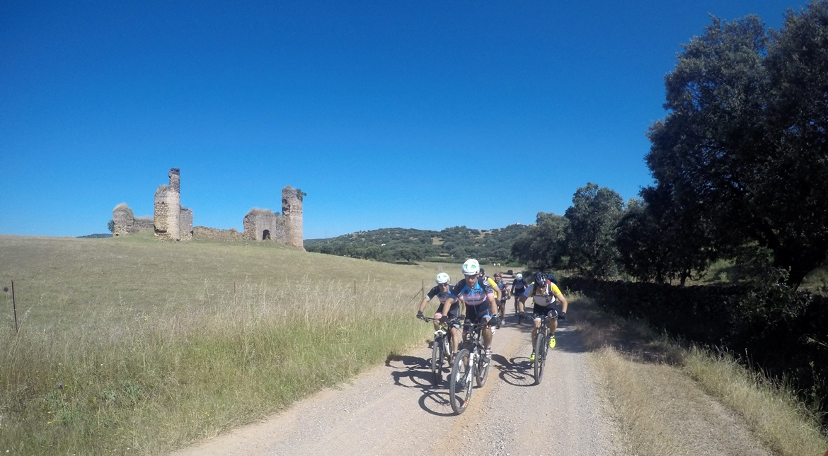Camino de Santiago bike tour. Castle | BIKING THROUGH SPAIN