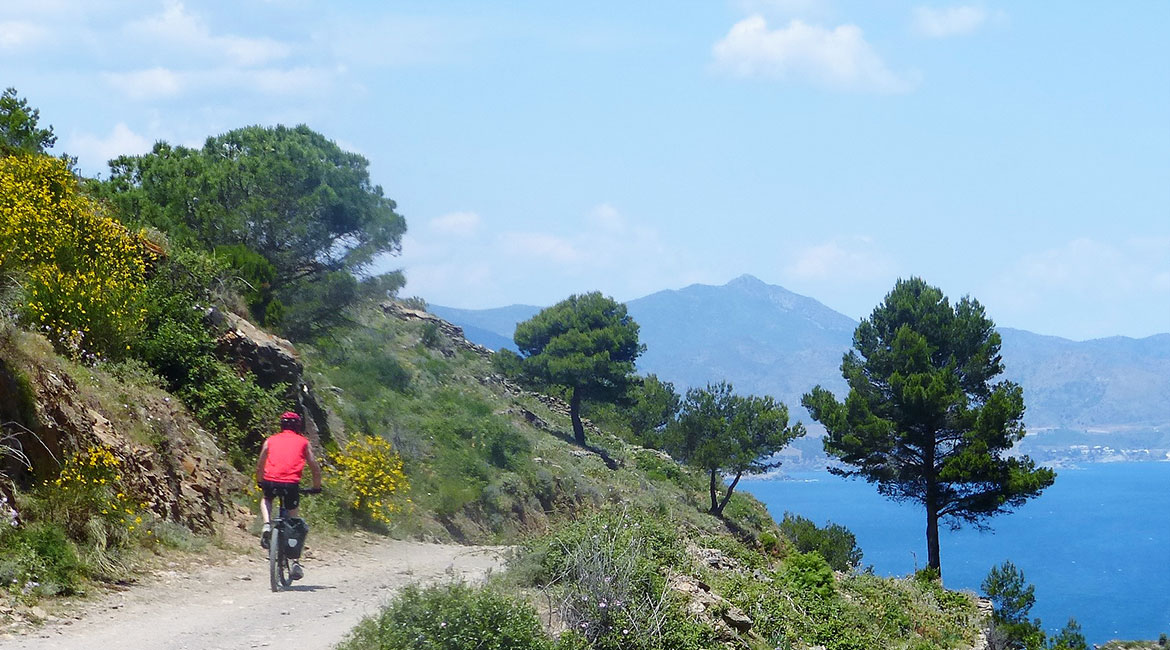 Cycling through Emporda. Cap de Creus | BIKING THROUGH SPAIN