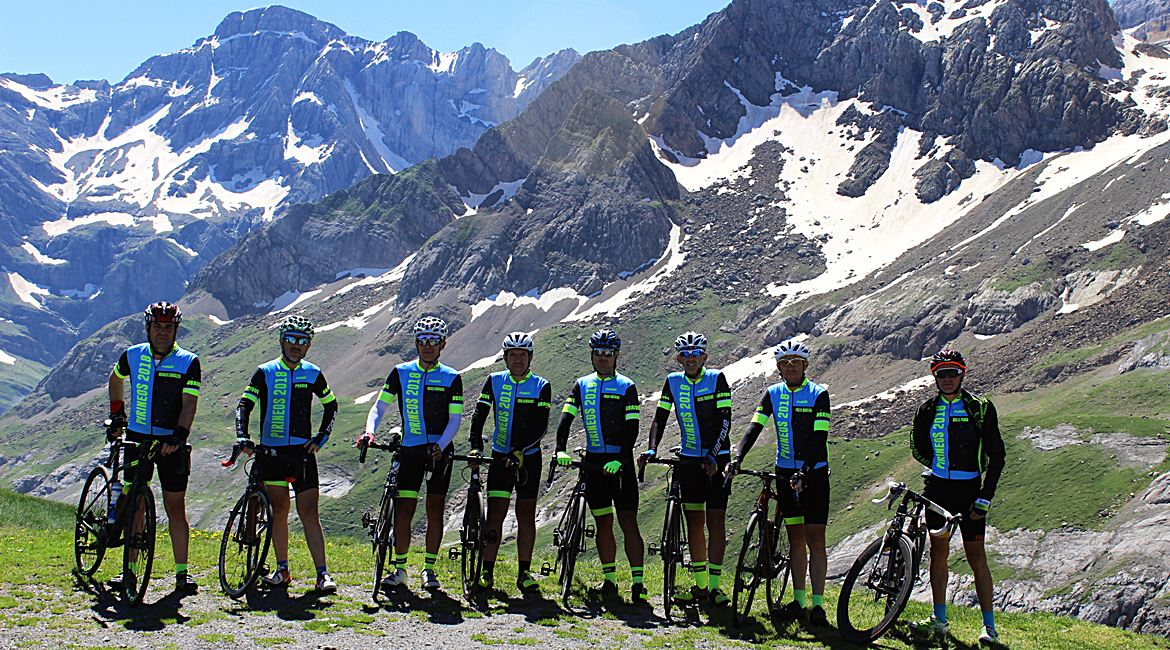 Pyrenees on bike Coll de Tentes 2. BIKING THROUGH SPAIN 1170X650
